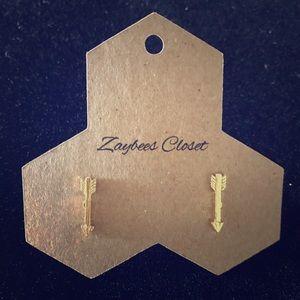 Jewelry - Gold dainty arrow earrings